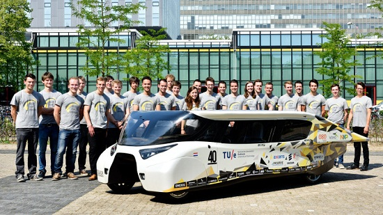 Car Goes 930 Miles On Single Charge In Solar Powered Race 4