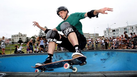 TONY HAWK HELPED TO DESIGN THE HENDO 2.0 HOVERBOARD 4