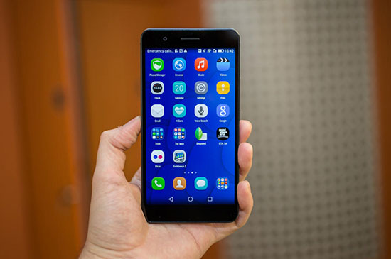Huawei P8 vs Honor 6 Plus Review with Camera Samples 10