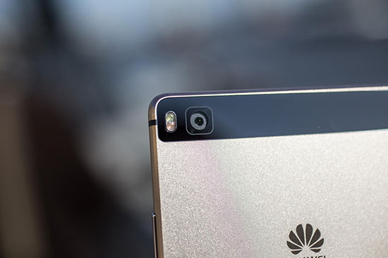 Huawei P8 vs Honor 6 Plus Review with Camera Samples 15