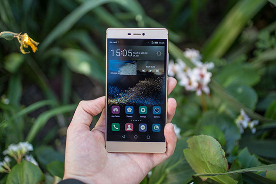 Huawei P8 vs Honor 6 Plus Review with Camera Samples 2